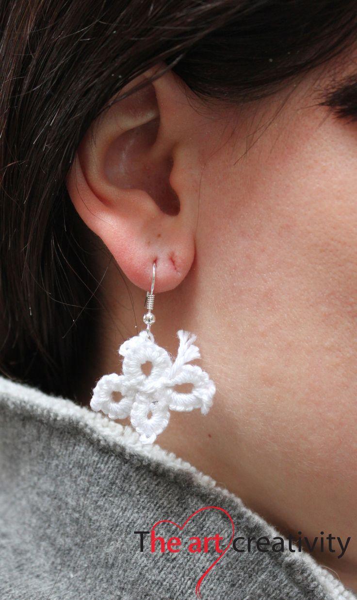 orecchini realizzati a chiacchierino con cotone bianco.#cotone #chiacchierino #bianco #farfalla #handmade