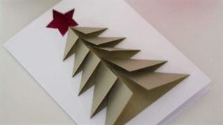 Så viker du fina granar att fästa på julkorten