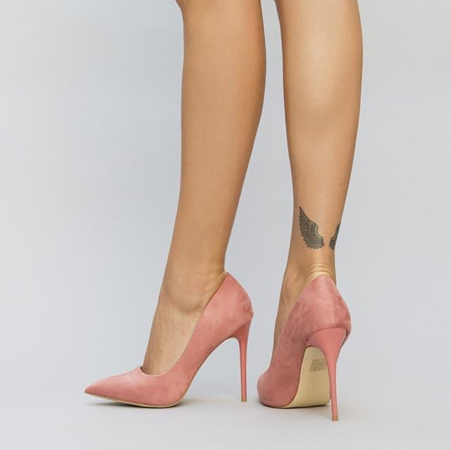 Pink heels from cutoc.net #heels #fashion #shoes #model #style #love #beauty #beautiful #dress #hair #outfit #girl #stylish #photooftheday #instagood #cute #pretty #styles #eyes #girls #nails #me #pink #shopping