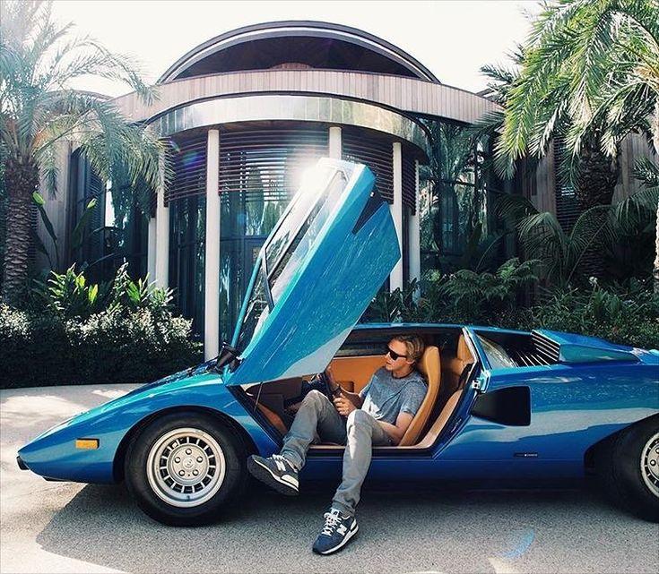 Italian Masterpiece Lamborghini Countach Lp400 Design