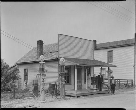 Texaco gas station, 1936.