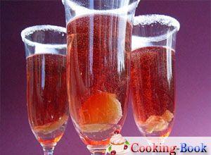 Рецепт: Коктейль с шампанским, персиком и имбирем