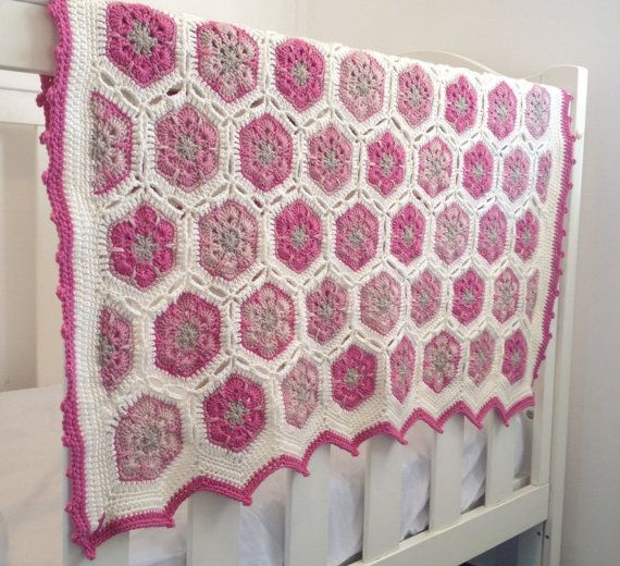 Baby blanket/ Crochet baby blanket/ Throw by HeartMadeByMarina