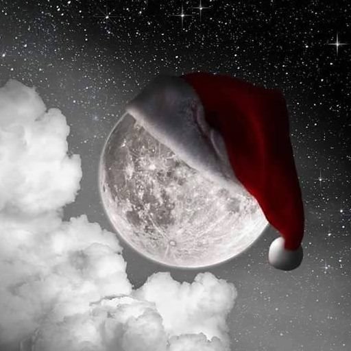 Full Moon w/Santa Hat