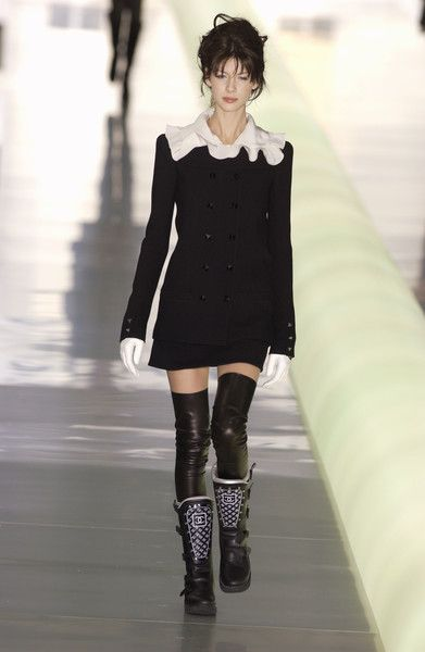 Chanel Fall 2003: Chanel Clothing, Fashion Chanel, Fall 2003, Chanel Flavour, Chanel Fall, Chanel Fashion, Fashion Sense