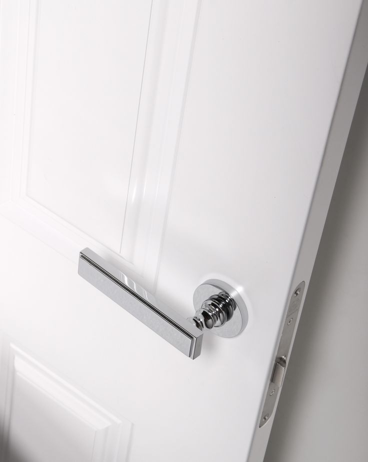 Malika handle. Functionality with a great visual purity. #interiordesign #inspiration #decor #homedecor #accessories #door