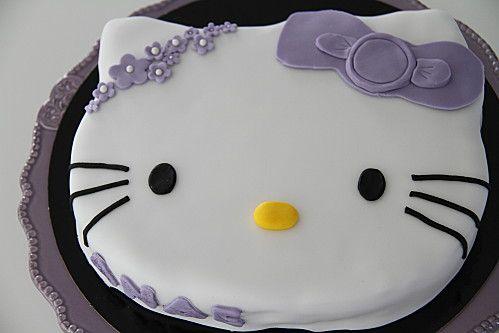 gâteau hello kitty pâte à sucre