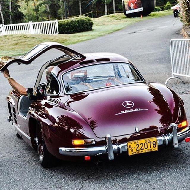 Schöne Farbe! Merceds Benz # 300SL. # BruceAdams190SL… #BMWclassiccars - # 300SL #Beautiful