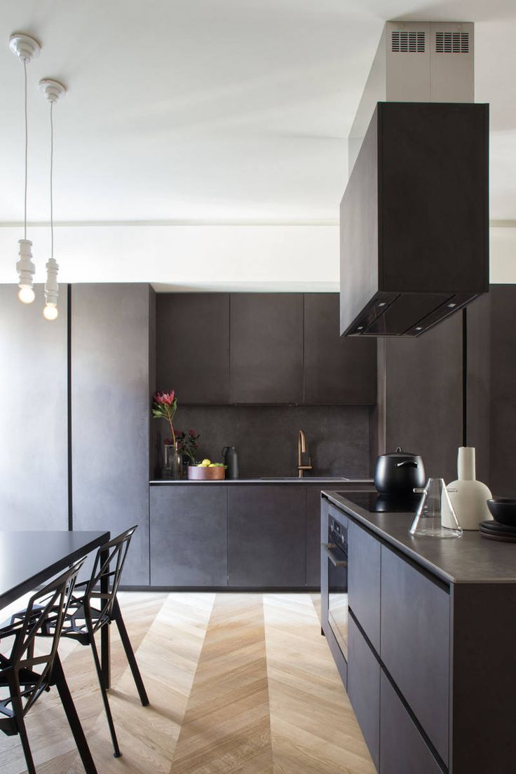 Modern apartment located in Italy, designed in 2017 by Studio Tenca & Associati.