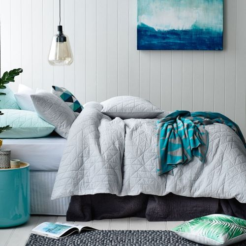 A contemporary quilted design in silver that features subtle blue stitching throughout, the Orson quilt cover from Home Republic will bring a touch of style to any bedroom. With a textured look and cotton fill this quilt cover is easy to care for and won't created unwanted heat in the warmer months.