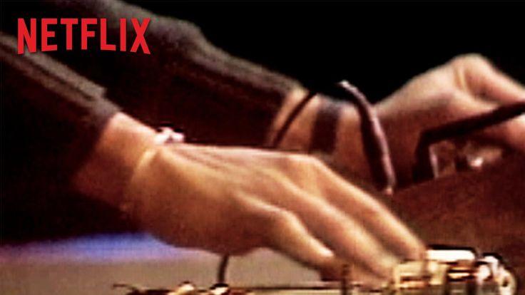 El visionario Baz Luhrmann revisita la escena musical de Nueva York en la década de los 70 en The Get Down, una nueva serie exclusiva de Netflix.