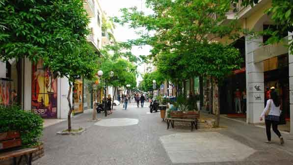 Visit Greece   Piraeus offers much more than great food. The shops lining its streets are a testament to its long commercial history. Fashion boutiques dominate the shopping scene, and you'd be hard-pressed to find a greater variety of clothes, shoes and accessories.