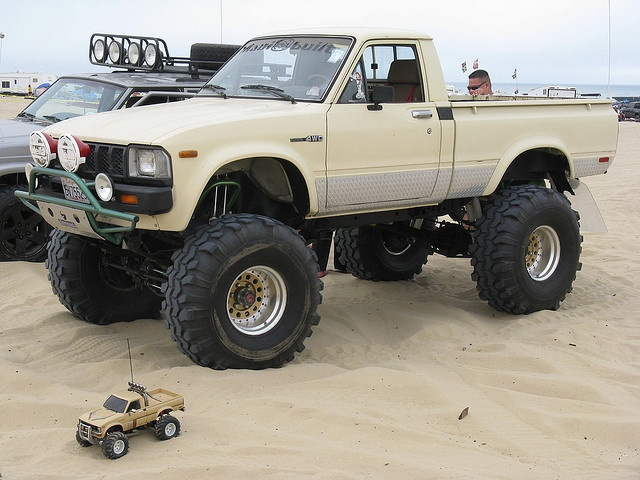 82 Toyota Loved these when they came out and people started lifting them