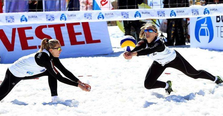 Din nou fetele lui Adrian Pricop au ocupat locul 1 la 2017 CEV Snow Volleyball European Tour (etapa a 3-a) Felicitari pentru Adriana Matei si Beata Vaida! #HaiRomania #CEV #SnowVolley