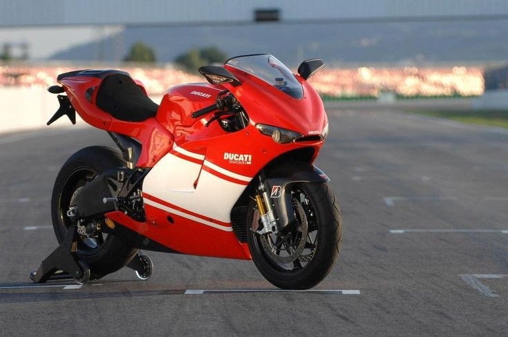 Ducati Desmosedici RR #6
