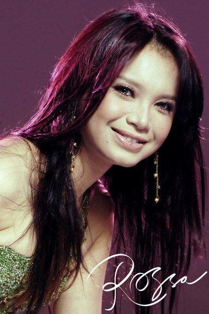 Indonesian singer : Rossa