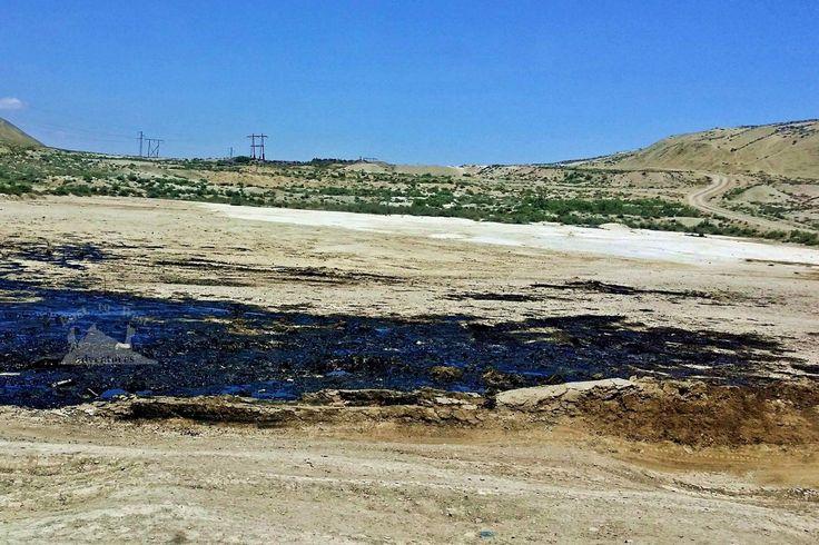 Oil seeping from the ground.  #oil #azerbaijan #desert #blackgold #baku #gobustan #unbelievable #sideoftheroad