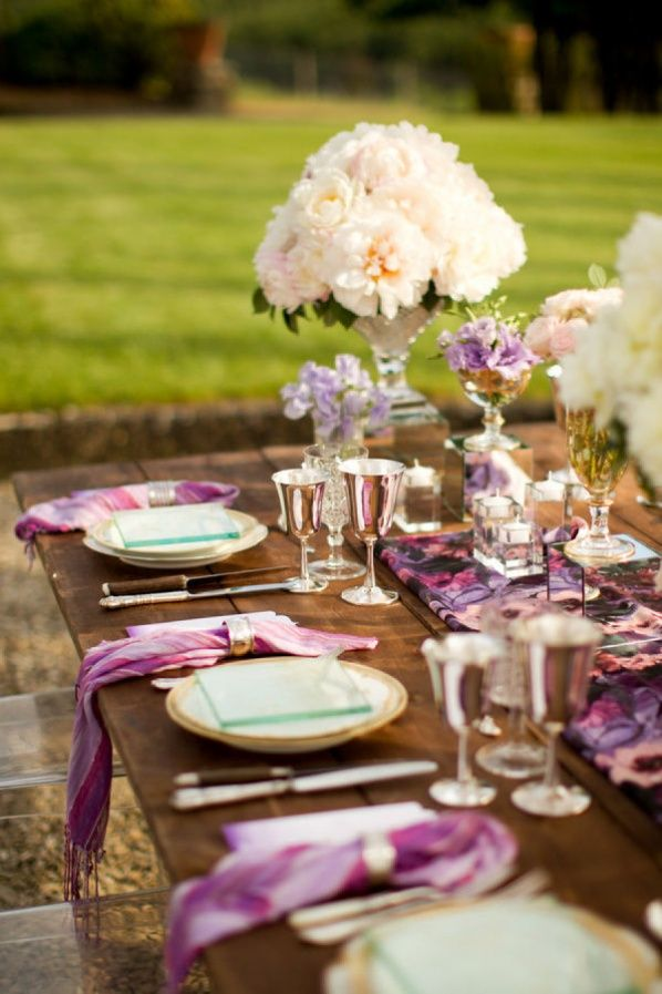 Radiant Orchid Wedding Table Decor