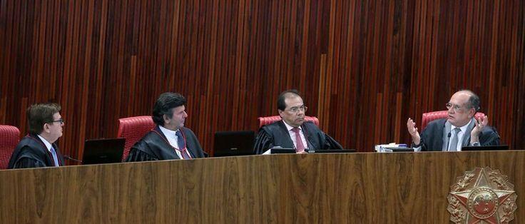 O Tribunal Superior Eleitoral (TSE) retoma hoje (7) o julgamento da ação na qual o PSDB pede a cassação da chapa Dilma-Temer, vencedora das eleições presidenciais de 2014. A sessão está prevista para começar às 9h. Na sessão de ontem (5), por unanimidade, os ministros rejeitaram questões...