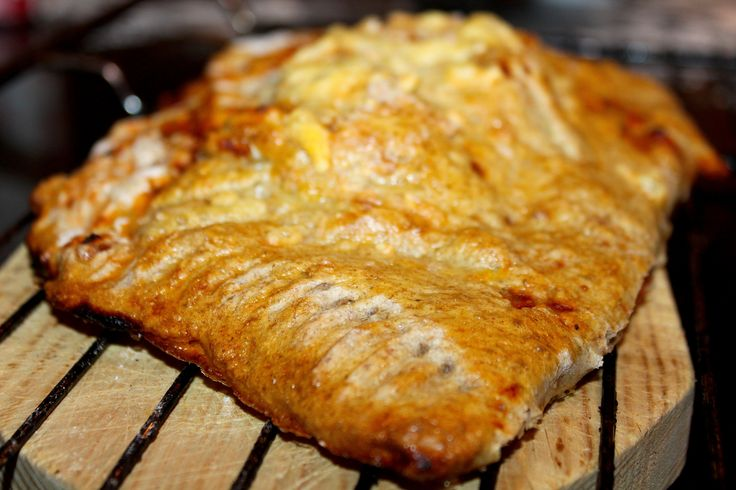 Calzone med spinat, kylling, champignon og mozzarella