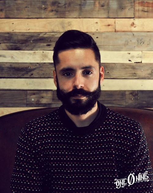 man haircut  @ one o nine tattoo & barber shop barcelona