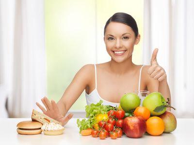 welches Obst darf ich bei Low carb essen - Oragen, Mandarinen, Erdbeeren, Himbeeren, Ananas, Kiwi, Grapefruit, Blaubeeren, Mango, Birnen, Äpfel, Pflaumen, Kirschen,