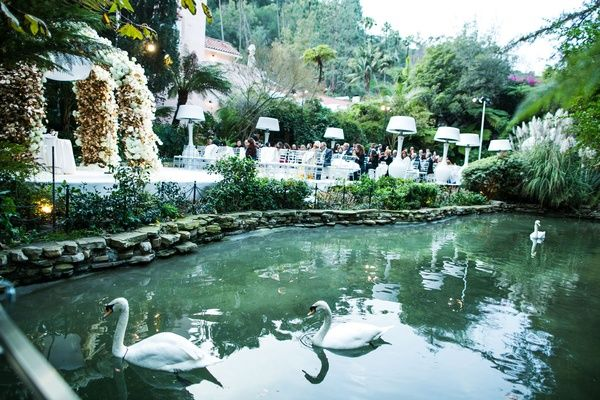 Hotel Bel Air Wedding Ceremony Location Flower Arch With Pond Nearby Swans Swan Lake Pond Wedding Wedding Inside Swan Lake Wedding