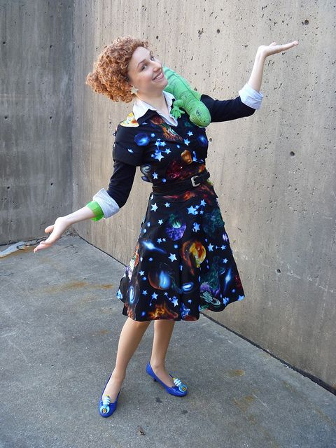 Ms. Frizzle (from The Magic Schoolbus) = best costume EVER! where to find an iguana...?