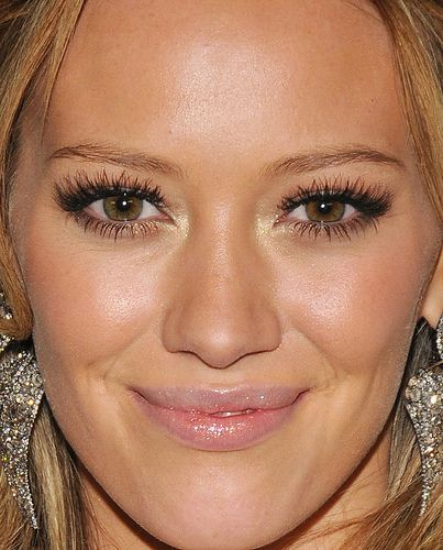 Hillary Duff - natural glowy makeup