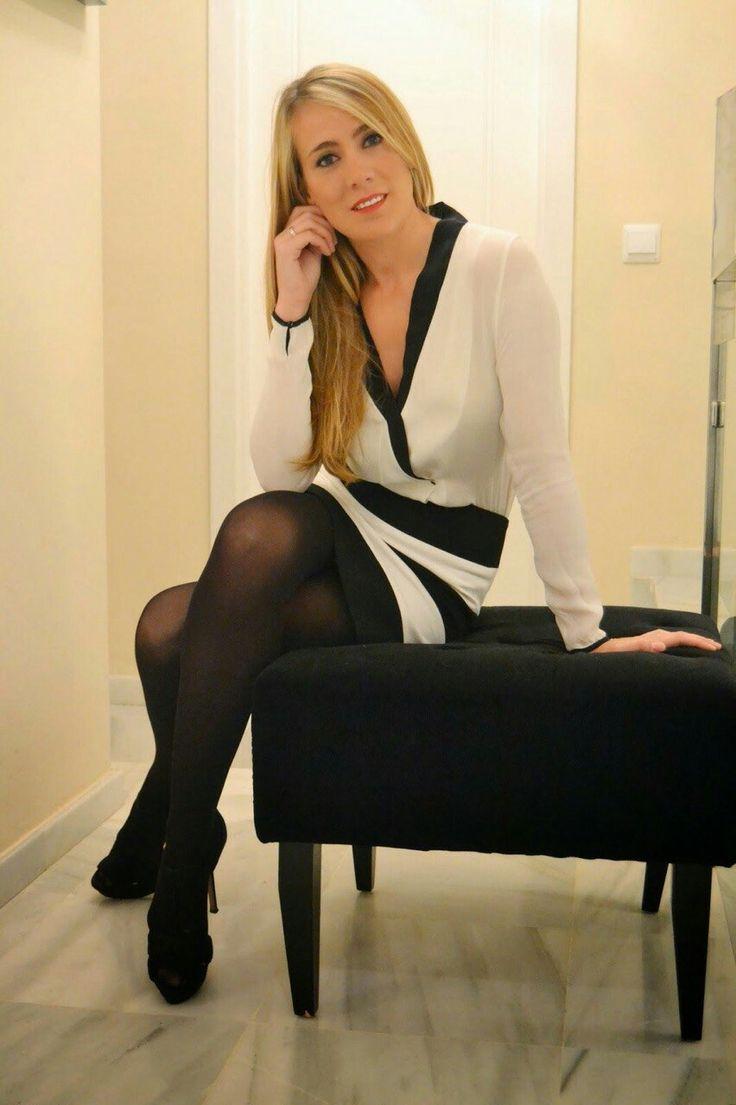 990 Best Girls Wearing Pantyhose Images On Pinterest -2845