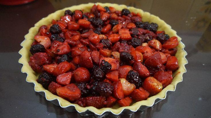 Torta de Frutas Vermelhas quase pronta para ir pro forno!