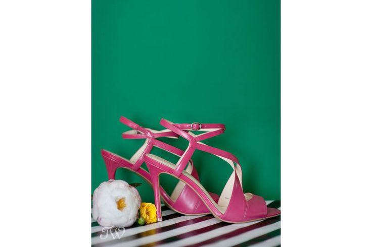 Fuchsia pink sandals   @ninewestcanada   wedding shoes   Calgary wedding photographer