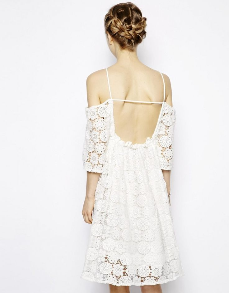 Idée de robe de mariée en dentelle piochée dans le prêt-à-porter - Robe bustier en dentelle Little White Lie