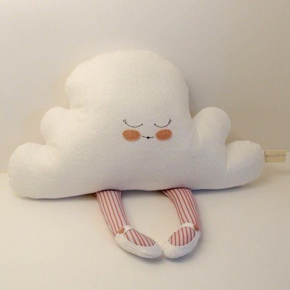 http://ny-image3.etsy.com/il_570xN.207377487.jpg. Cojin nube durmiendo.