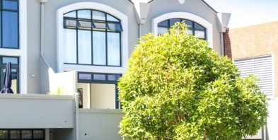 9/28 Williamson Avenue, Grey Lynn. Seriously for Sale. 3 double bedrooms, 2 bathrooms, huge open plan living space, large north facing balcony, sunny courtyard, private entry and internal access double garage plus 1 x off street.
