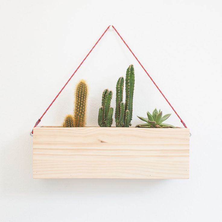 Modern wall hanging planter by Oitenta made in Spain on CROWDYHOUSE  #plants #home decor