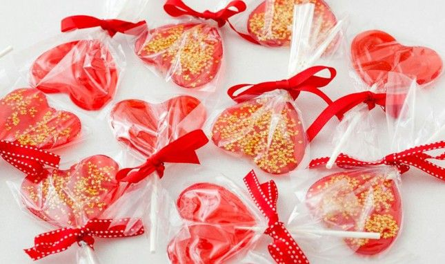 Candy Making 101: Homemade Valentine's Day Lollipops