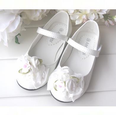 Детская нарядная обувь на малышей