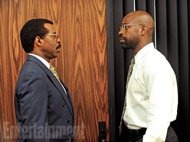 Courtney B. Vance (as Johnnie Cochran) and Sterling K. Brown (as Christopher Darden) in #AmericanCrimeStory