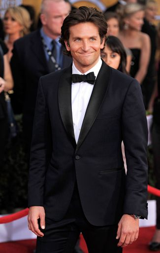 The Best Tuxedos of the SAG Awards 2013 - Bradley Cooper in Midnight Blue!