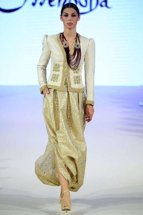 Les 25 meilleures id es concernant karakou algerois sur for Haute couture translation