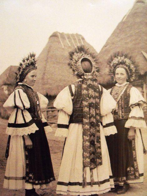 Transylvanian traditional dress, Romania