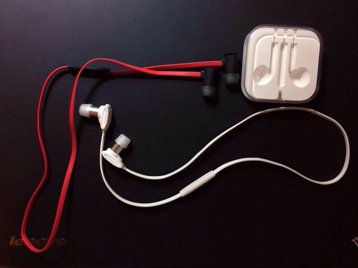 Red for X992 and White for X990 with EarPods