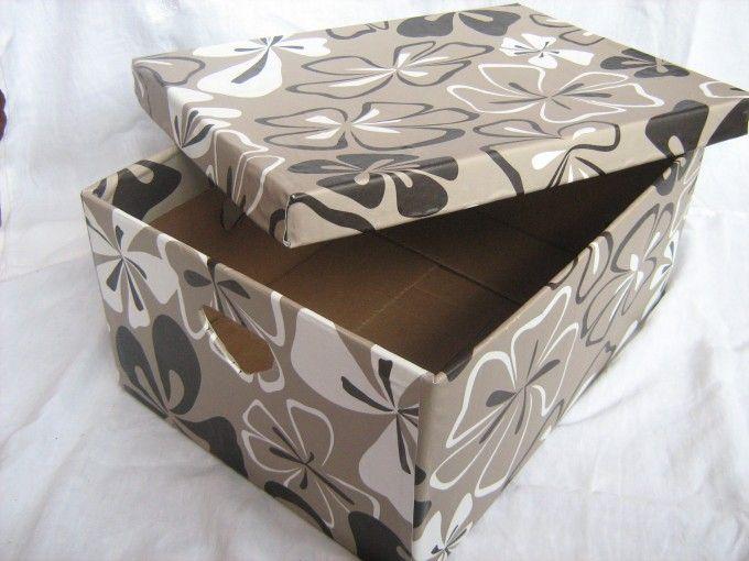 Bedna na ukládání věcí vyrobená z krabice od banánů a plastového ubrusu (lepeno Herkulesem) / Box for a stuff made of bananas box and plastic tablecloth. #DIY #storage #box #tutorial