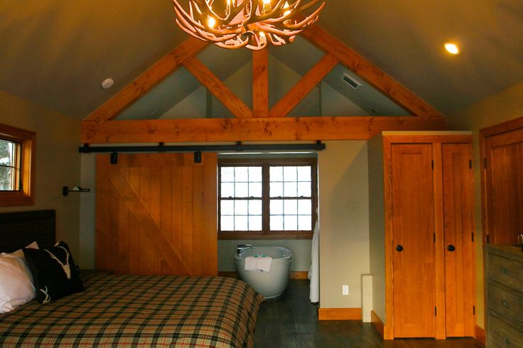Heather Mountain Lodge & Cabins: Rogers Pass, Golden and Revelstoke BC Canada