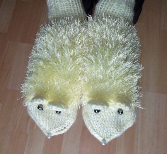 Handknitted Women/Girls Mittens Mouse Mittens Cute by evefashion