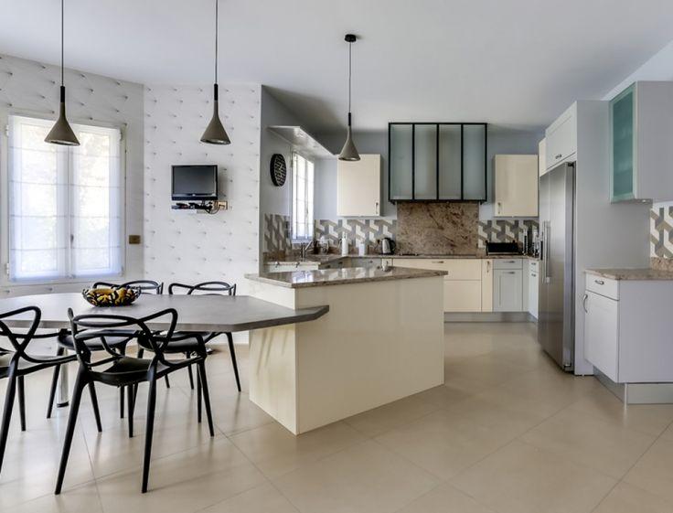 les 25 meilleures id es concernant chaise starck sur. Black Bedroom Furniture Sets. Home Design Ideas