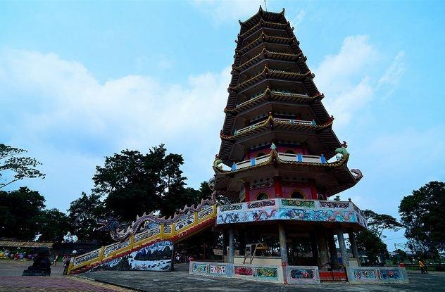Pagoda pulau kemaro - palembang, sumatera selatan
