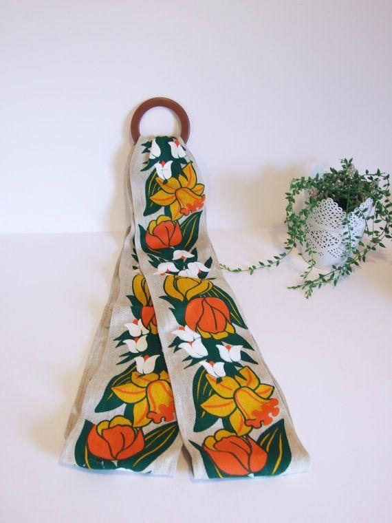 Sueco colgador de bandejas // Plástico y tela por tiendanordica