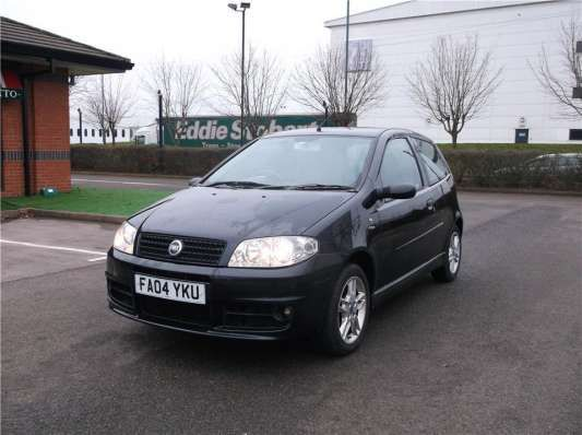 Used 2004 (04 reg) Black Fiat Punto 1.2 Active Sport 3dr for sale on RAC Cars